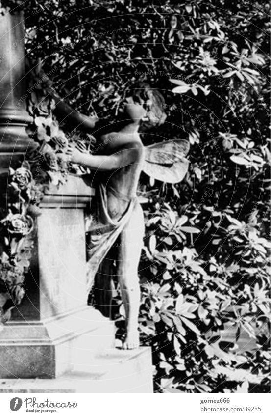 Sculpture Cemetery Grave