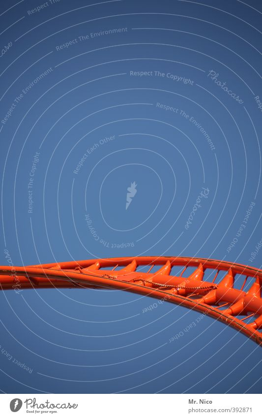 Orange Leisure and hobbies Beautiful weather Speed Dangerous Cloudless sky Steel Fairs & Carnivals Hover Curve Arch Oktoberfest Swing Roller coaster Curved