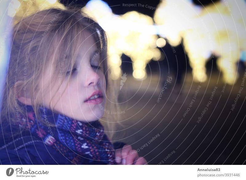 Worlds of Light Christmas & Advent sparkle Illuminate Calm portrait Child Girl Fabulous To enjoy Feasts & Celebrations festivity Festive pretty Winter Face