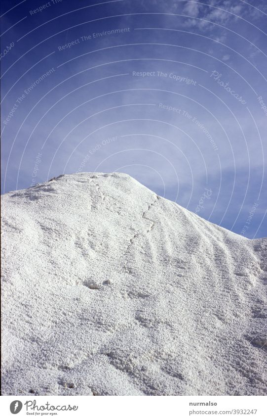 Artificial snow, at least Snow Winter chill potassium fertilizer Sky Blue White mountain Alps skis Sports Ski-run Himalayas Everest Worm's-eye view Agriculture