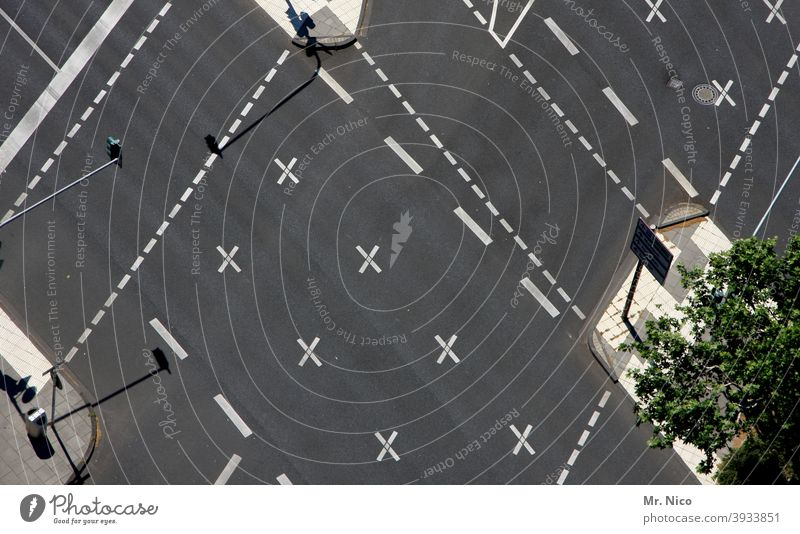 road junction Stripe Structures and shapes Crossroads cross Orientation Road junction Direction Street mark Urban traffic regulations Line Road marking