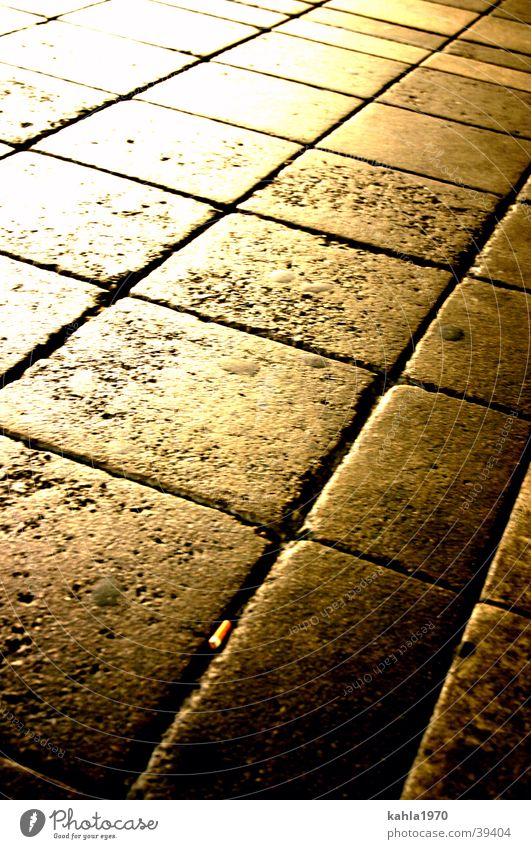 Yellow Street Gold Transport Cobblestones Grid