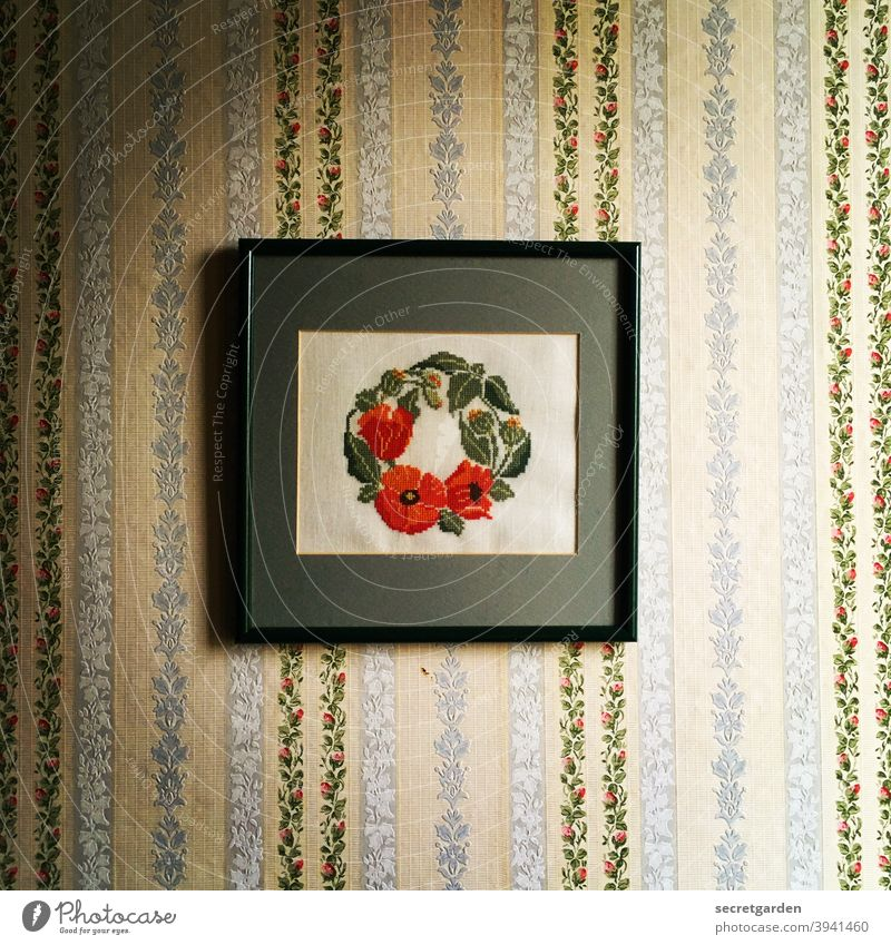 There's no accounting for taste. Image Craft (trade) Embroider hobby Wallpaper Retro Retro Colours trash retro wallpaper sample wallpaper Retro trash