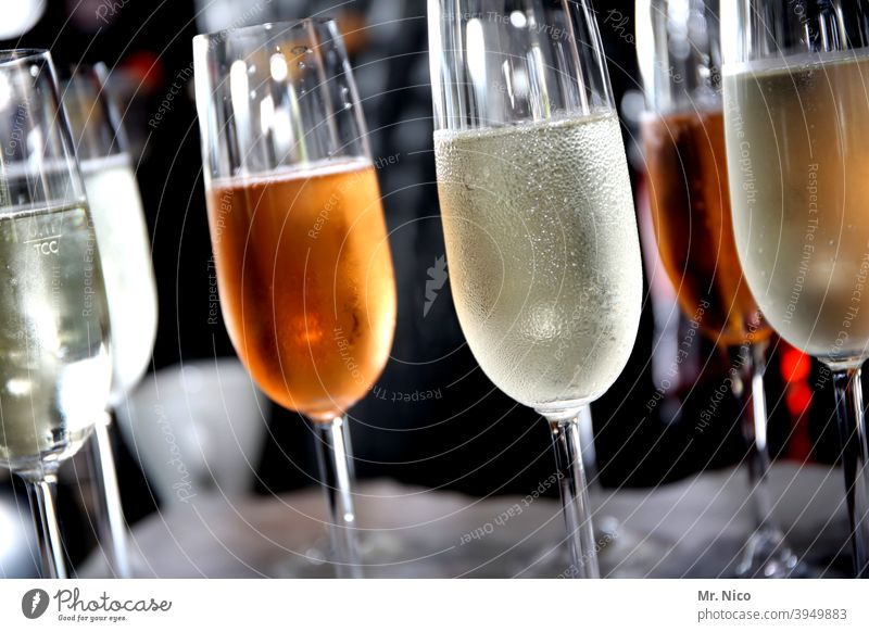 too much alcohol I unhealthy Alcoholic drinks Sparkling wine Glass Prosecco Beverage Champagne Champagne glass Feasts & Celebrations Cold drink Drinking
