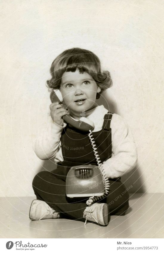 back to the roots | vorhandyzeit Telephone Receiver give me a call Telecommunications Technology To call someone (telephone) Telephone number Telephone cable