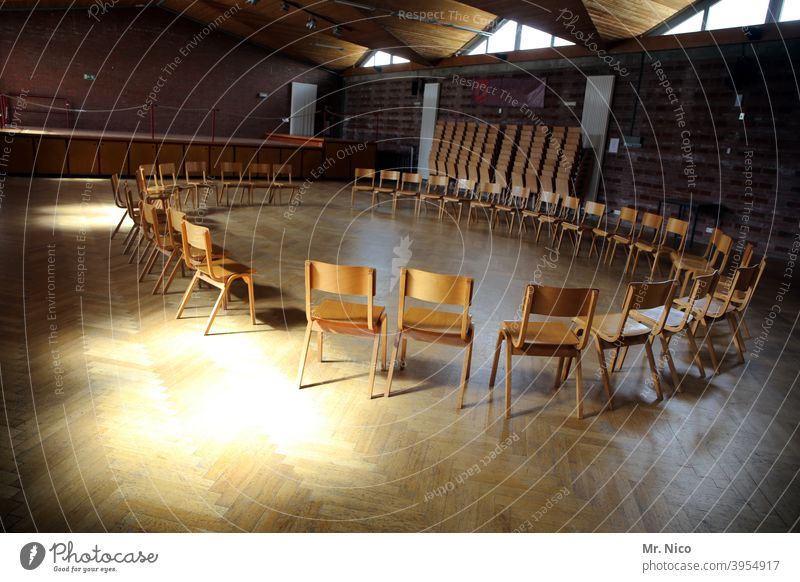 chair circle chairs Chair Empty Seating Furniture Places Hall Room Sunlight Assembly Building Parquet floor Free Shadow Therapy Row of chairs Training room