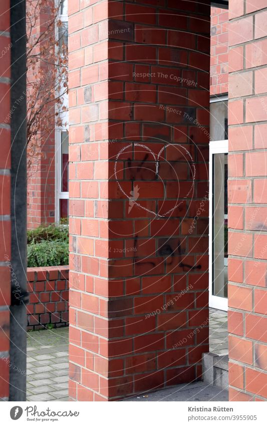 chalk heart on brick Heart sweetheart symbol symbolic Sign Love sensation Chalk Painted street art House (Residential Structure) Facade Building Architecture