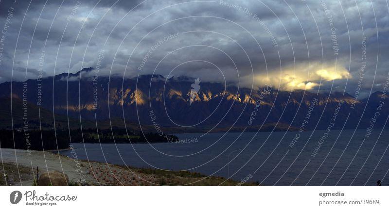 Lake Wakatipu Clouds Queenstown Light Mountain sun streak New Zealand Rock Weather