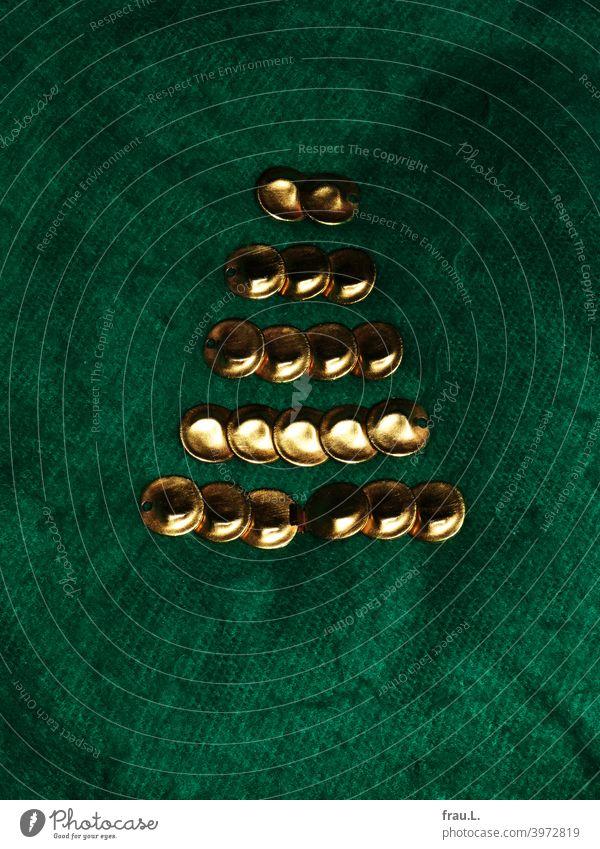 Broken necklace Jewellery Costume jewelry golden Accessory Glittering Christmas tree Wool blanket