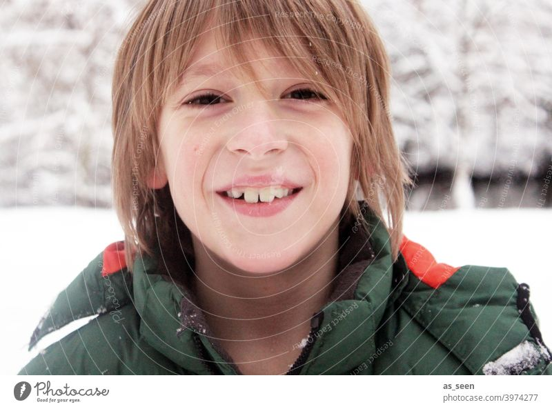 Boy in the snow Boy (child) Snow Smiling Laughter Blonde Joy Happy Human being portrait Face Happiness Winter Snowscape Cold chill Congenial Playing Infancy