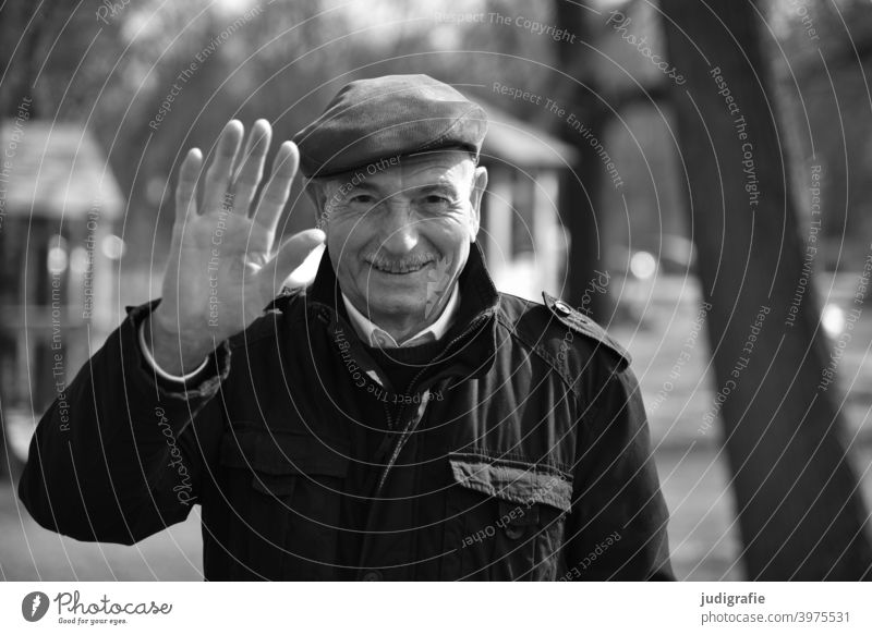 Senior waving friendly into the camera Senior citizen Man Wave Friendliness nice Male senior Human being Masculine Grandfather Life Looking Adults