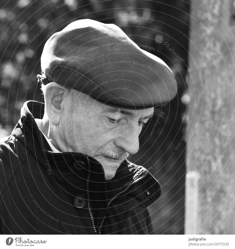Senior absorbed in thought Senior citizen Man Male senior Human being Masculine Grandfather Life Looking Adults Black & white photo Family & Relations