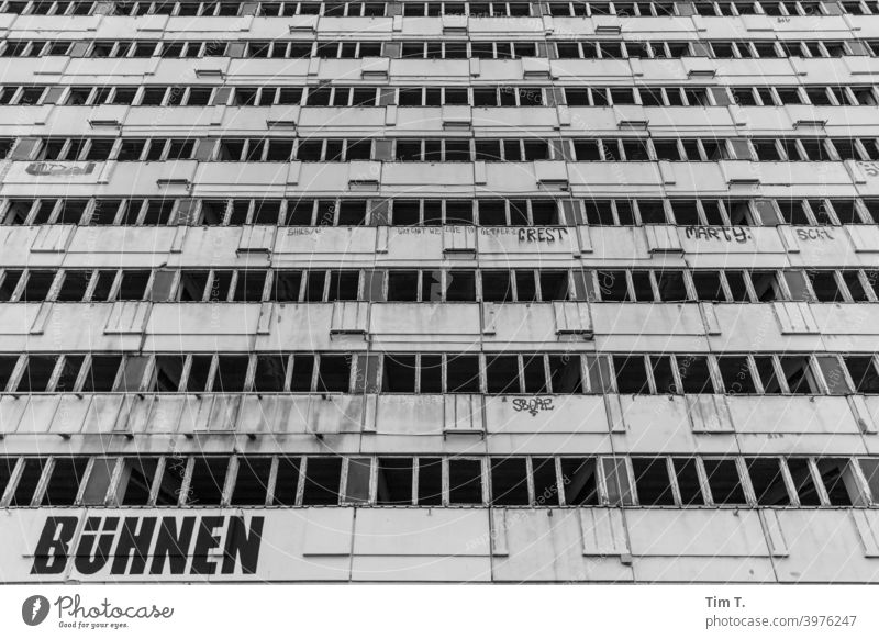 an empty high-rise building at Alexanderplatz HdSt Berlin Middle Stage Downtown Berlin Capital city Architecture Town Vacancy City Deserted Exterior shot