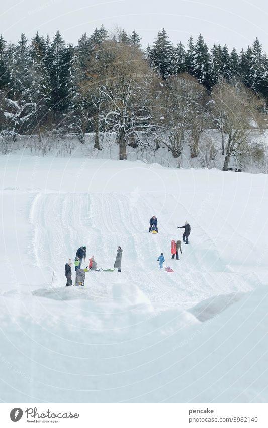 ski & rodel gut! ll Schnee Winter Hügel Wald Piste Kinder rodeln skifahren Wintersport Allgäu Spaß Freude Schlitten