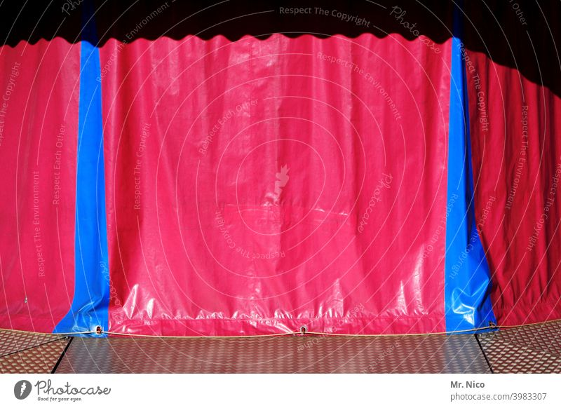 Break in shooting tarpaulin Protection Covers (Construction) Plastic Structures and shapes Drape Red Blue Theme-park rides Abstract Showman show business