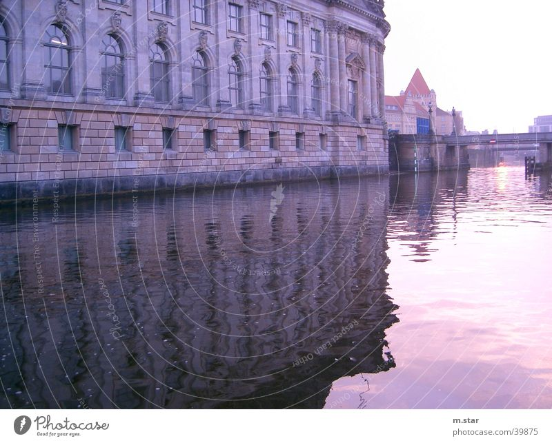 SpreeMirroring Reflection Historic Evening Sunset Architecture Water Berlin River