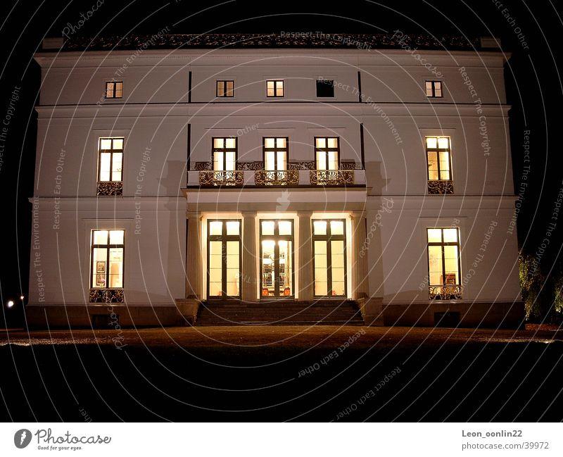 Jenisch House Frontal House (Residential Structure) Night Historic Jenish Hamburg Elbe foreman
