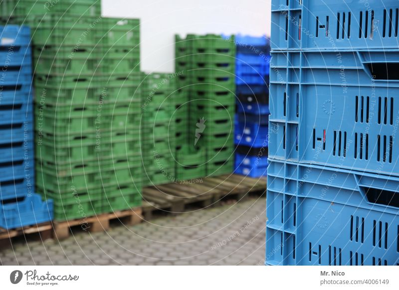 stacked boxes Plastic Box of fruit Markets Crate Trade Arrangement Empty Stand transport box Fruit basket Storage Warehouse Depot Stock of merchandise Stack