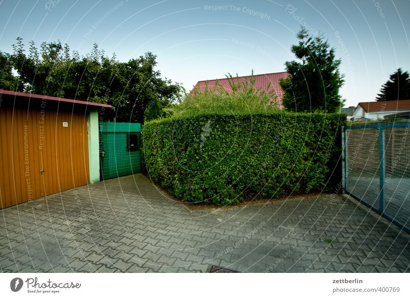suburb Lifestyle Summer Living or residing Flat (apartment) House (Residential Structure) Garden Plant Weather Beautiful weather Small Town Outskirts