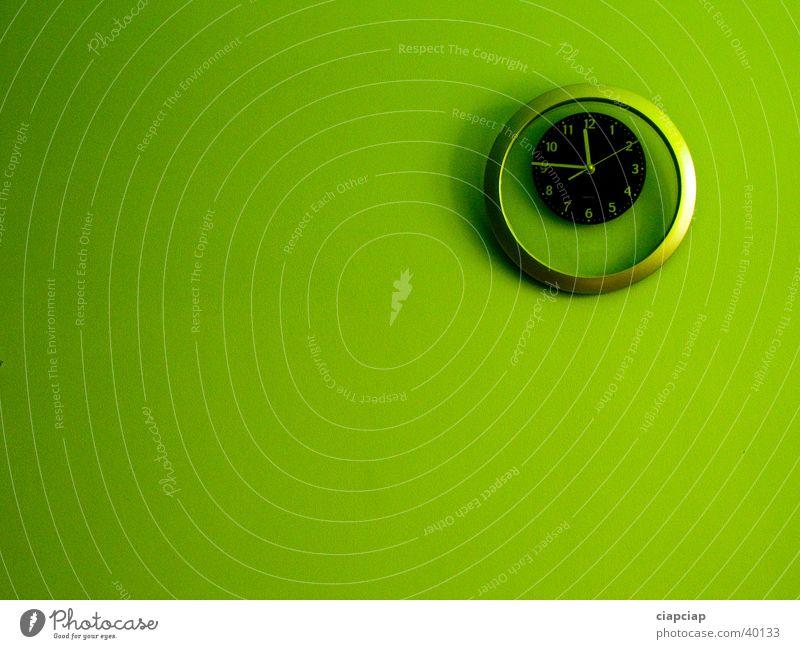 Green Wall (building) Time Clock Eye shadow