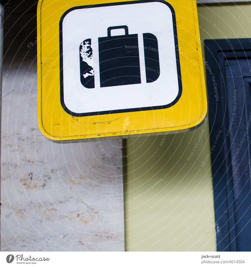 Suitcase, an internationally recognizable symbol for vacation, travel and luggage Pictogram Vacation & Travel Tourism Signs and labeling Luggage
