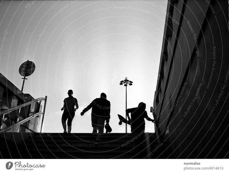 Skategrey Schatten skater unterführung geländer grossstadt personen sport skateboard freizeit joggen jogger dynamisch treppen
