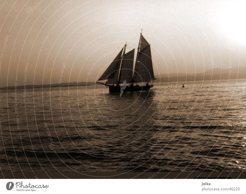 Water Movement Lake Watercraft Europe Italy Sailing Sailboat Body of water Sailing ship Lake Garda Garda