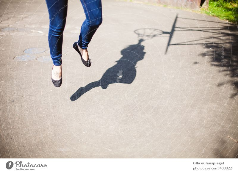 Human being Woman Youth (Young adults) Sun Young woman 18 - 30 years Adults Life Movement Feminine Sports Playing Healthy Legs Feet Jump