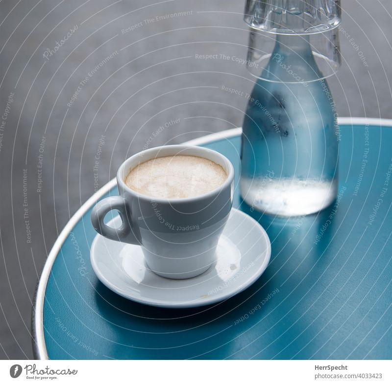 Coffee & Water Table Café Colour photo Cup Beverage Close-up Coffee cup Coffee break To have a coffee tap water Decanter Coffee table Sidewalk café Coffee froth