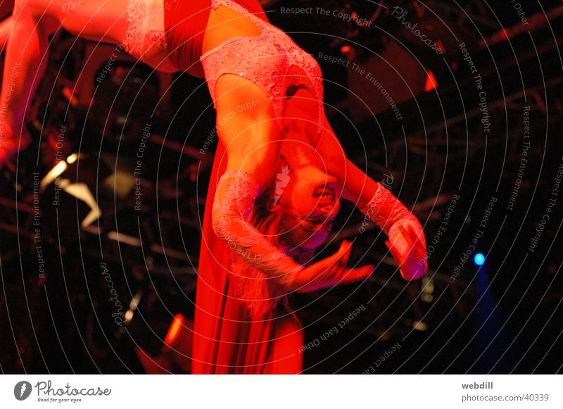 doubletartists Acrobat Mythical creature Circus Woman Rag rope artists circus artist Frankfurt Jazz Festival La Spina & Chris Knight