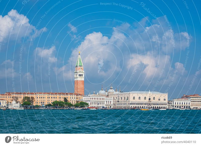 View of historic buildings in Venice, Italy Markusturm Palace of Doge Palazzo Ducale Campanile di San Marco vacation voyage Town Architecture Baroque