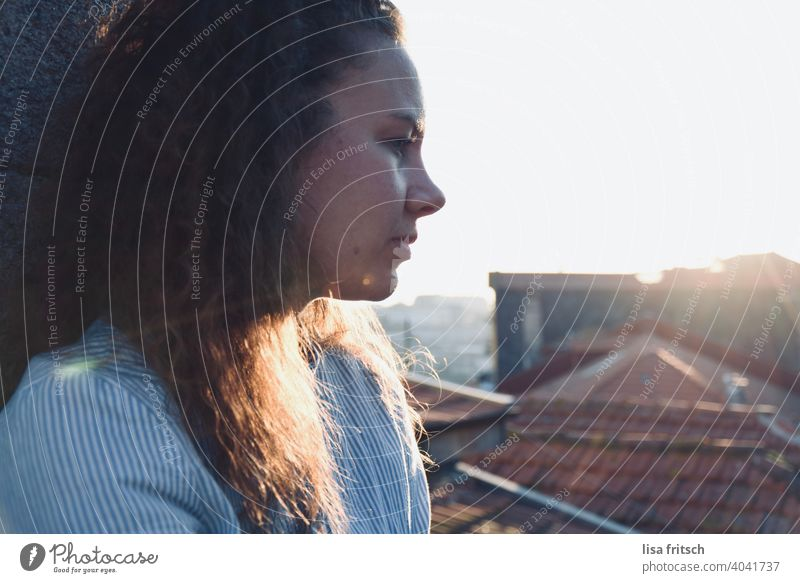 Thoughtful Woman 25-29 years Curl Brunette Summer Summery Exterior shot Colour photo Adults Sunlight Sunbeam ponder think Sadness Loneliness Lovesickness