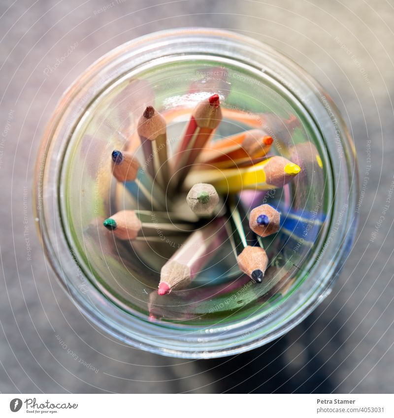Crayons in a jar crayon pen Painting (action, artwork) Draw variegated Multifibre Colour Circle Round zero corners Glass no person nobody