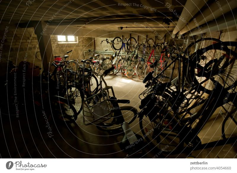 bicycle cellar Bicycle Wheel Cellar subordinate Parking space Parking lot switch off parking facility Arrangement Row dwell Residential area Apartment house