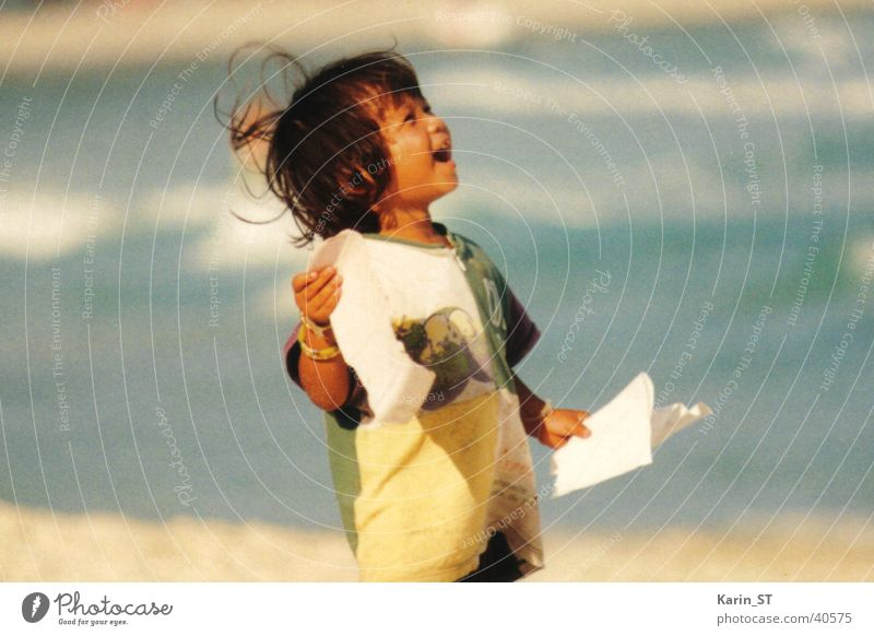 Child Vacation & Travel Ocean Girl Beach Leaf Sand Wind Asia Thailand Human being Marvel