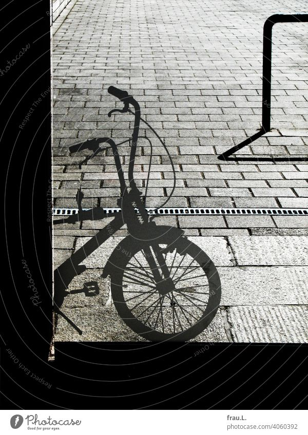 more appearance than reality Bicycle Transport Mobility Cycling Means of transport Street Places paving Town Pane Bicycle rack Bicycle hanger