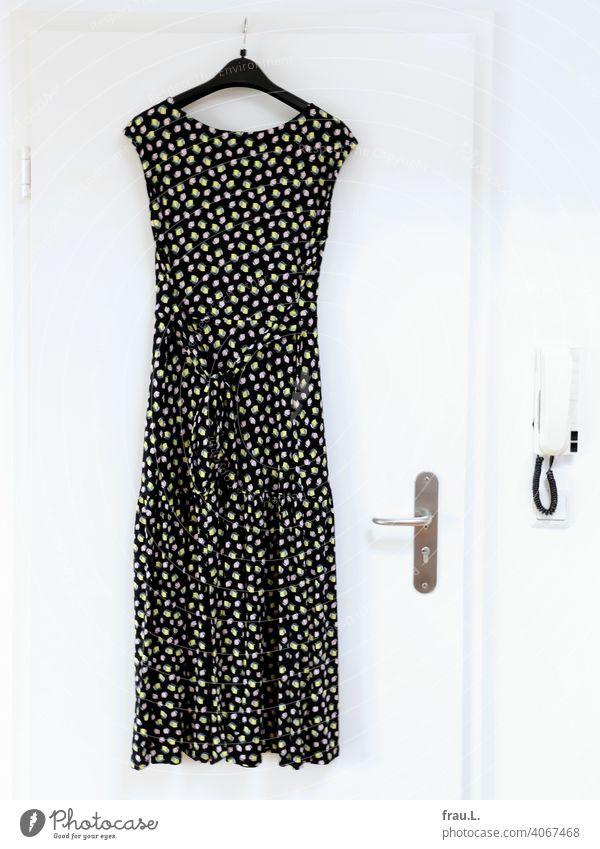 A summer dress Hang Cloth Clothing Pattern Intercom system variegated Dress door door handle Hanger Fashion Lemons