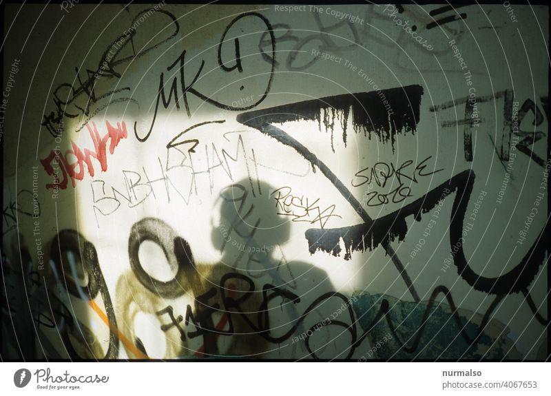 Soundpic Musik grafitti urban stadt kopfhörer spotify mp3 kunst wand farben modern berlin schriftzeichen hören sound