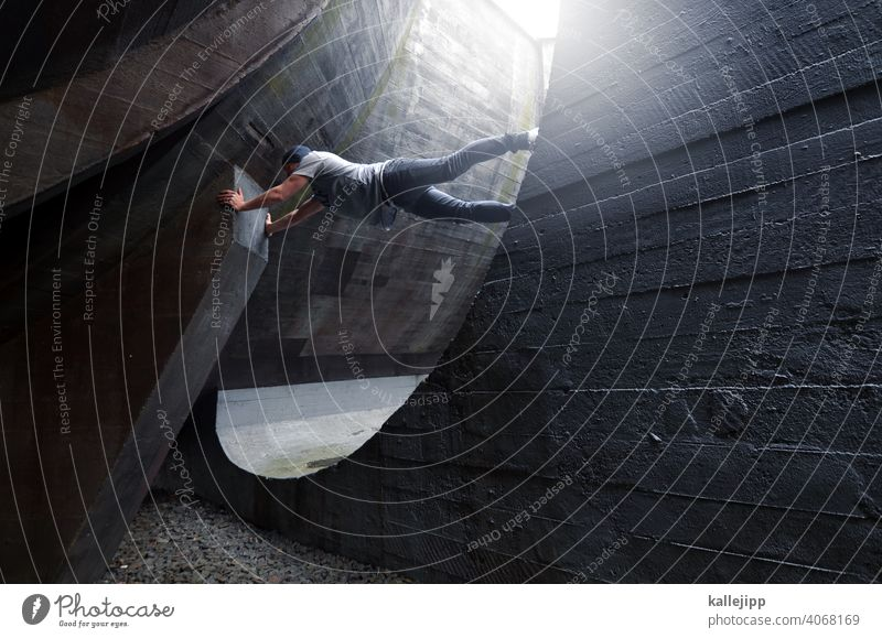 hamster wheel urban Climbing Concrete To hold on Gray Round Architecture round course Light Building Structures and shapes Colour photo Line White Exterior shot