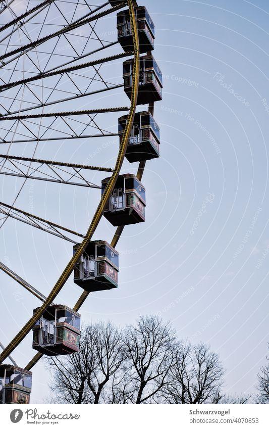 empty ferris wheel in corona winter Ferris wheel Leisure and hobbies standstill Winter Tall Theme-park rides Exterior shot Sky Round Attraction