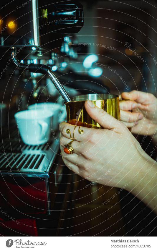 Coffee Gold Café Milk milk foam Latte macchiato Coffee break Beverage Hot drink Detail