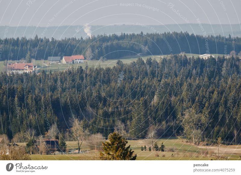 das auenland ist keine insel Allgäu Baden-Württemberg Oberschwaben Landschaft Hügel Wald Wiesen Bauernhof Auenland Rauchwolke Aussicht Fernblick Panorama Isny