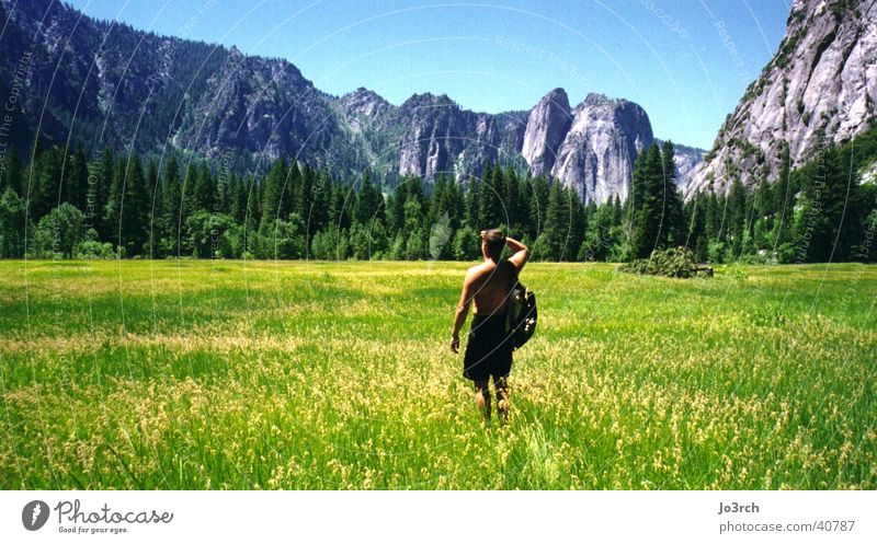 Vacation & Travel Meadow Mountain Hiking USA Americas