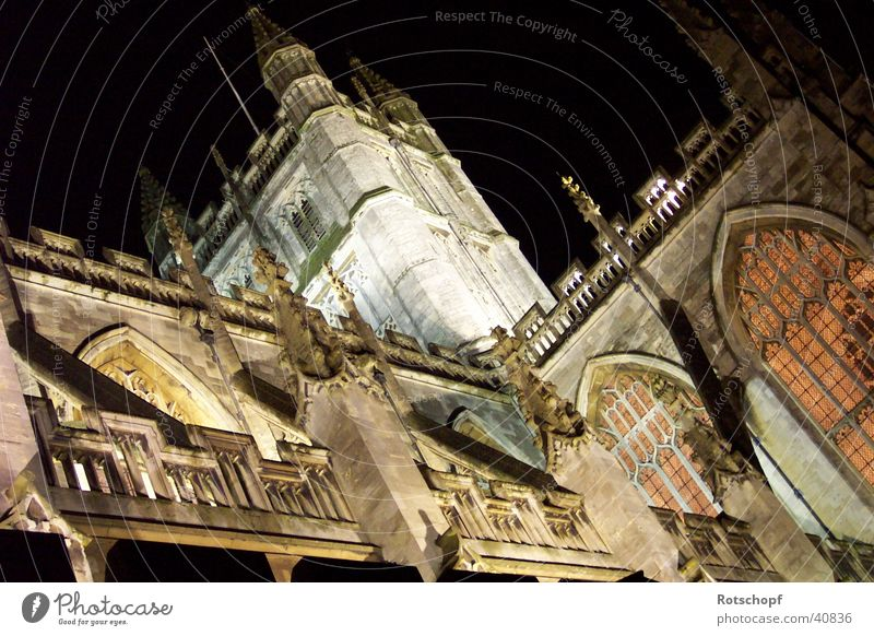 Cathedral of Bath Night England House of worship Religion and faith Lighting bath Historic Buildings Monastery Monastery chruch Bath Abbey