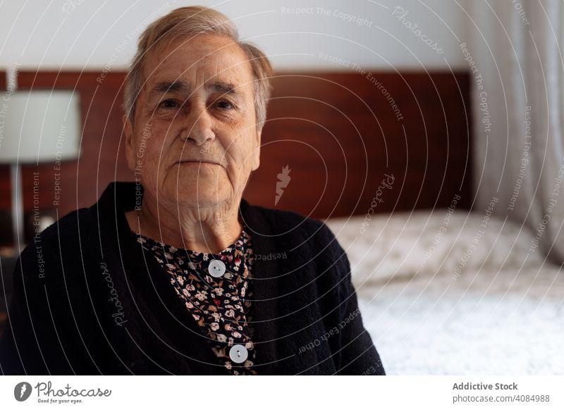 Portrait of elderly woman alzheimer old portrait grandmother senior person disease retirement dementia female alone background retired pensioner thoughtful