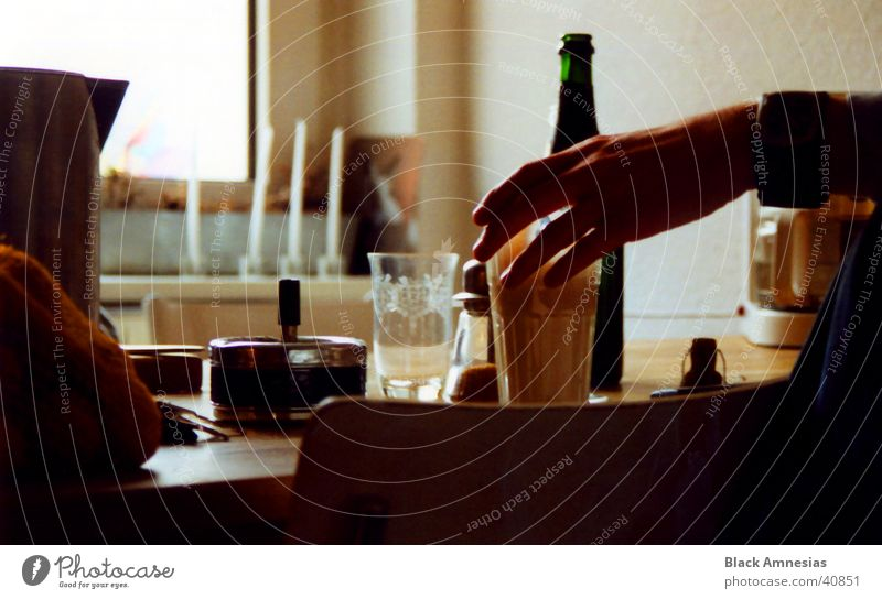 Hand Glass Coffee Kitchen Clock Ashtray