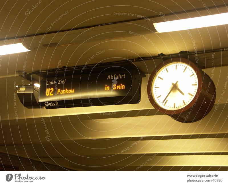 in 3 min Underground Analog Time Clock Train station Wait berlin-pankow Digital photography Display