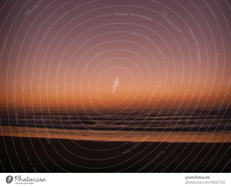 Dusk and dawn on the east coast of Australia / Photo: Alexander Hauk Morning Dawn morning mood Twilight vacation travel free time Tourism Waves Beach