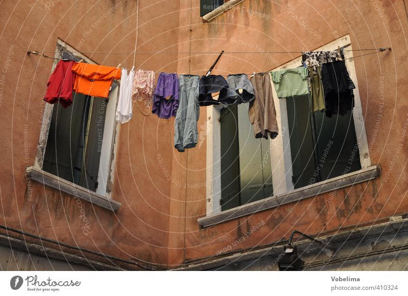 Laundry at a house in Venice House (Residential Structure) Town Old town Building Architecture Facade Window Contentment Door Clothesline Dry Italy Colour photo