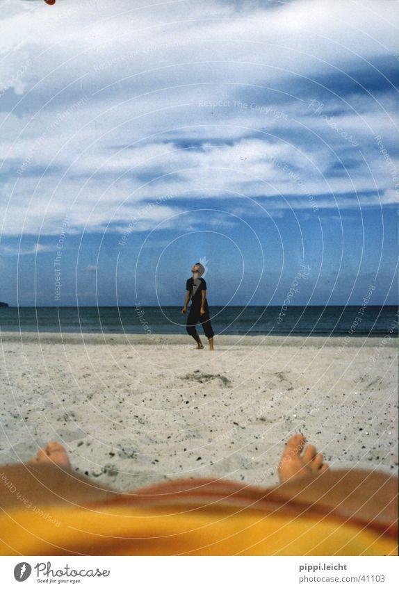 beach Beach Relaxation Frisbee Bikini Human being Sun Life Legs